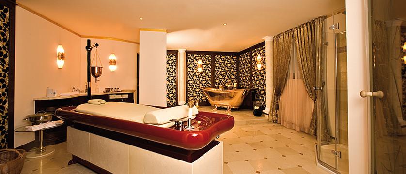 Austria_Seefeld_Hotel-Schönruh_spa-bathroom.jpg